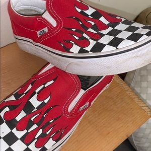 Red checkered flame vans size:7